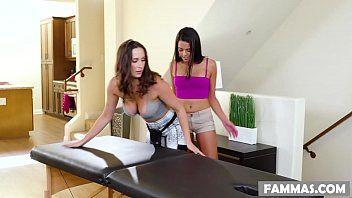 Sexe lesbien coquin sur une table de massage - Ashley Adams et Vienna Ebon