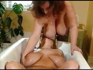Breasty bbw lesbos