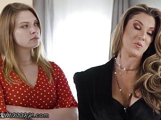 Milf audits massage parlor winds up banging two lesbo chick