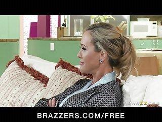 Brazzers - Milf Brandi dai capelli dorati Amore è massaggiato perforato