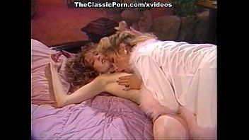 Wife lesbo joy when hubby is away