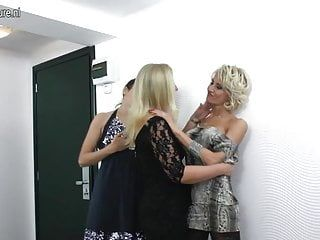 Non-professional lesbo mothers fuck every other in trio