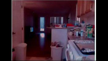 红发女郎厨房脱衣舞-看到第二部分在wildfuckcamcom