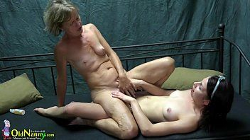Oldnanny 2 lesbos beauty is enjoying with toy