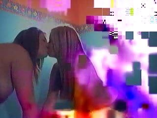2 hawt lesbos touch e engolf amor melões