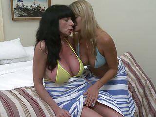 Aged lesbo sweethearts elexis monroe and karen kougar