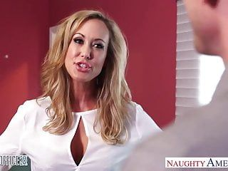 Stockinged office honey brandi love acquires nailed