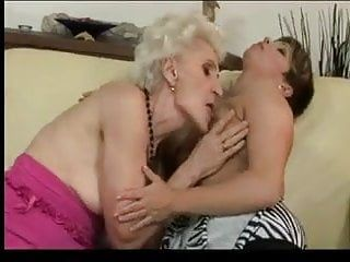 Granny and milf lesbian babes by troc