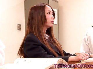 Ladolescente in età legale della servitù giapponese Anju sana è un vecchio villano